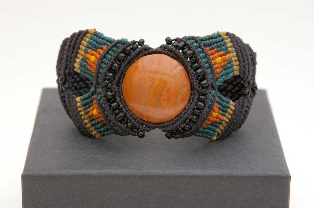 Pauline-Huard-design-textile-stylisme-illustration-graphisme-ANUDA-bracelet-1